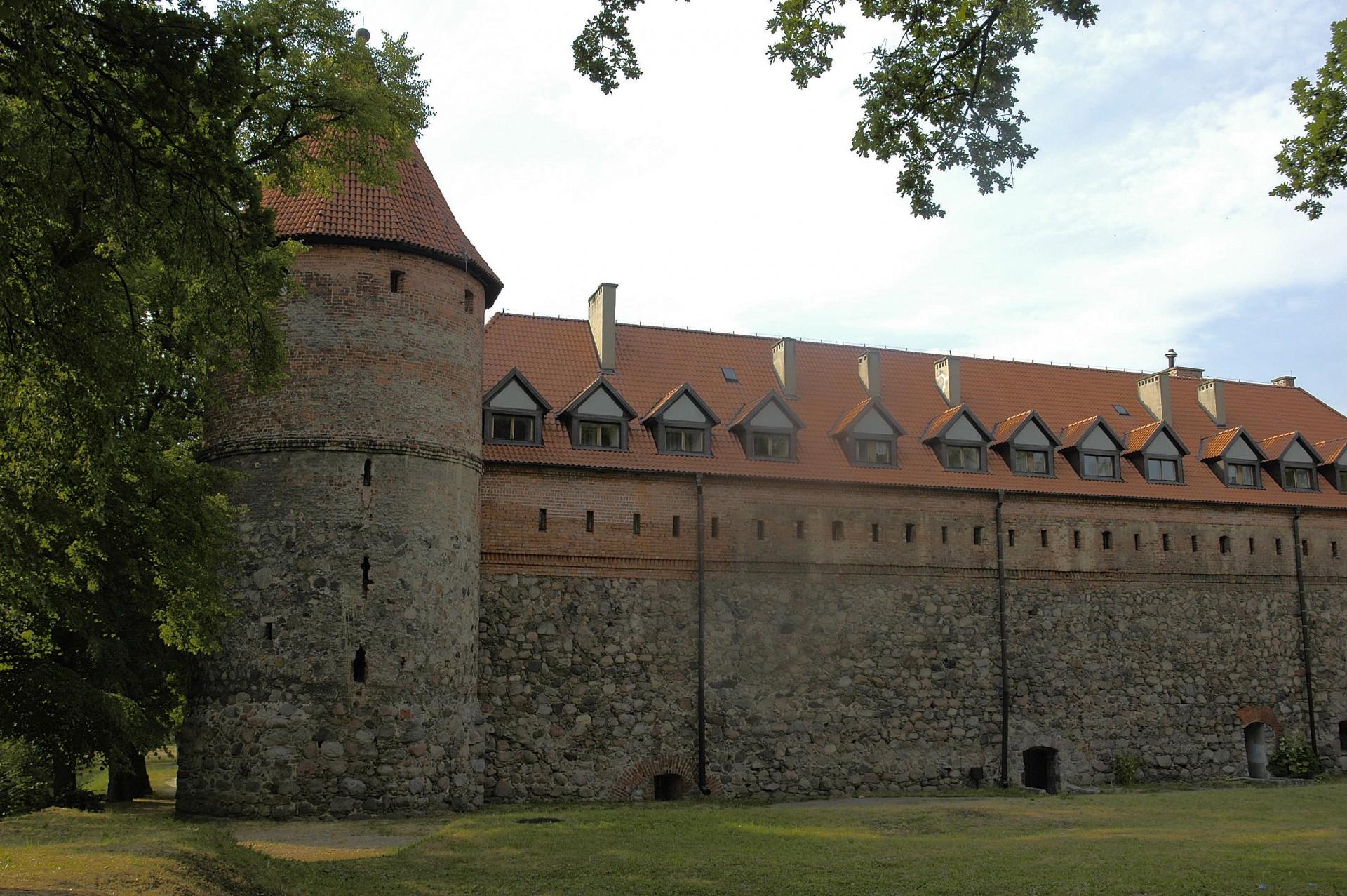 Bytów, Zamek krzyżacki; źródło:By Ziijon - Praca własna, GFDL, https://commons.wikimedia.org/w/index.php?curid=4577861