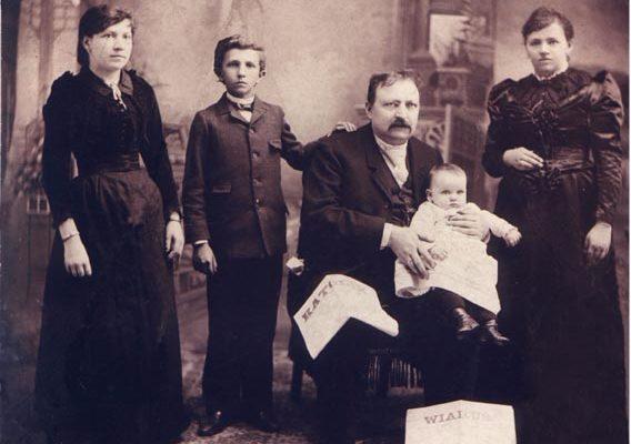 Hieronim Derdowski z rodziną, 1892 r., fot. archiwum prywatne