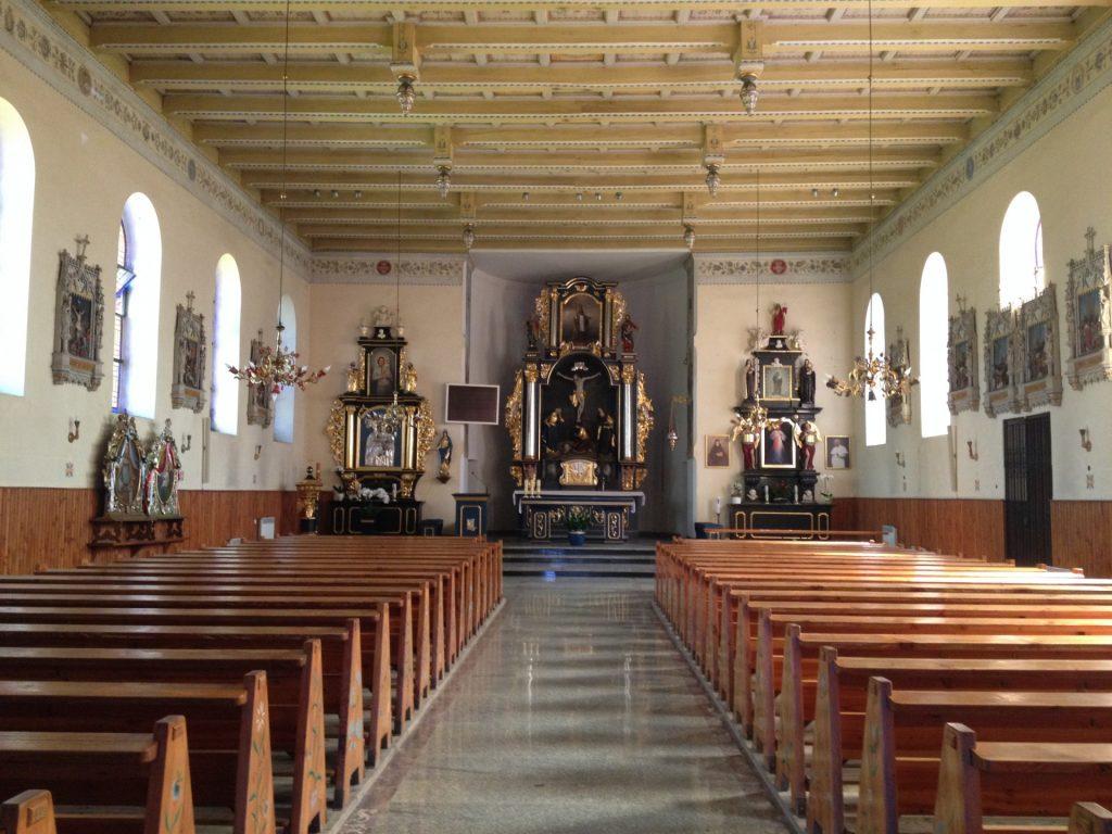 Chmielno. Kościół pw. św. Apostołów Piotra i Pawła. Bardzo stara parafia