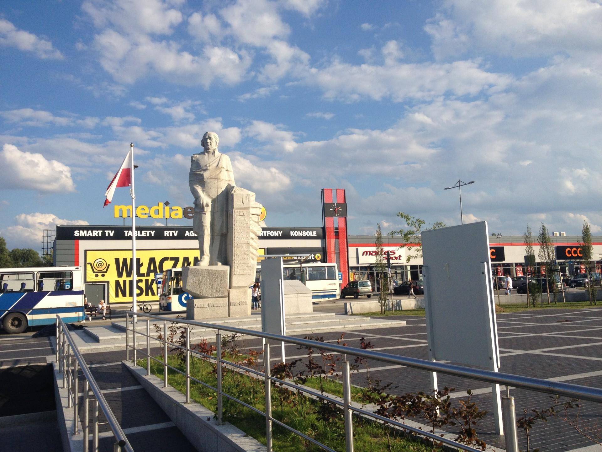 Kościerzyna. Pomnik Józefa Wybickiego Autor: Lucyna Szomburg