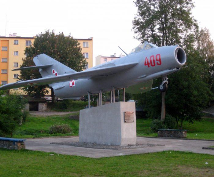 Miastko. Samolot LIM – 5 Mirosława Hermaszewskiego
