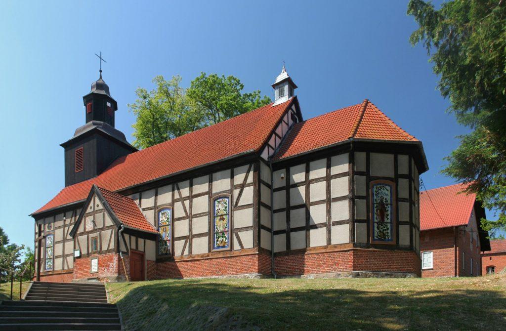 Fot.: Mechowo, Kościół, źródło: Wikipedia, autor: Paweł Marynowski