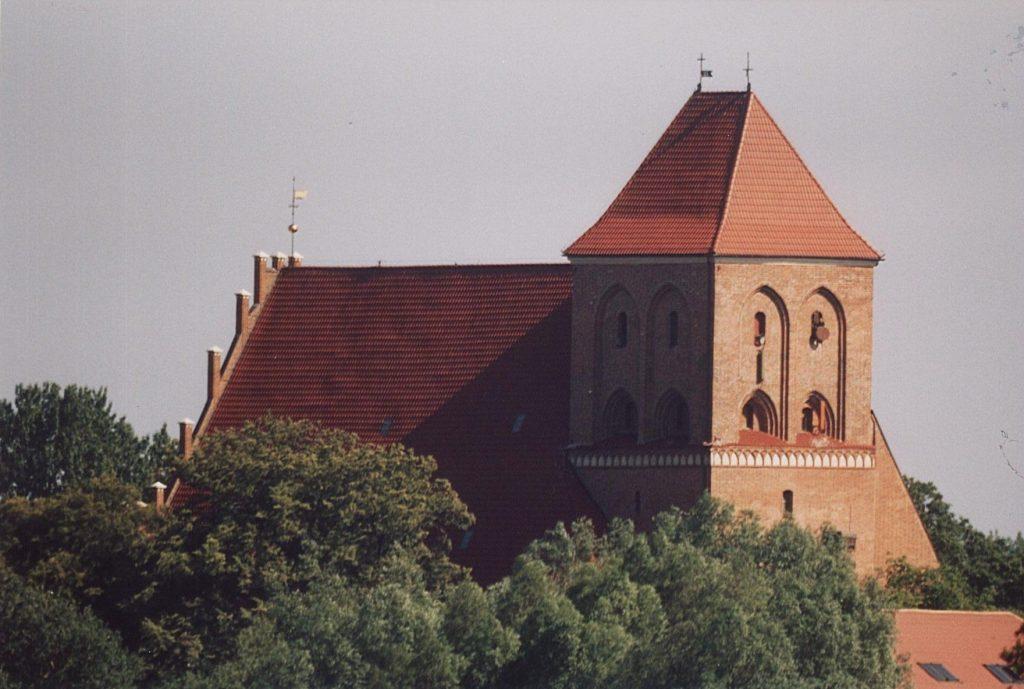 Fot. Puck, Kościół św. Piotra i Pawła, źródło: Wikipedia, autor: Bazie