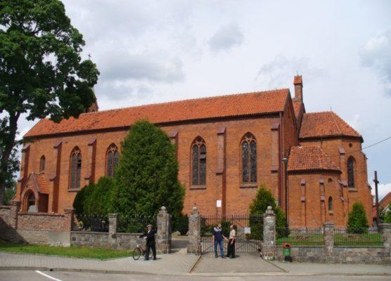 Lipusz, kościół pw. św. Michała Archanioła. Polichromie i cenna figurka Matki Bożej z Dzieciątkiem 1