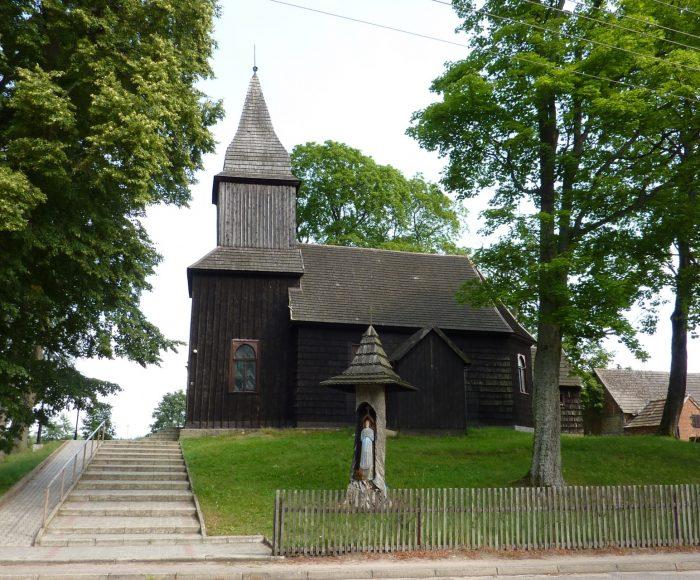 Sominy. Zabytkowy kościół, Zagroda Owczarza, jezioro Somińskie 1