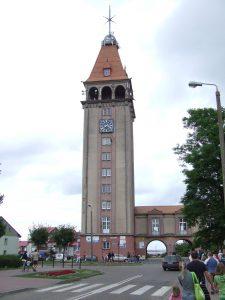 Fot.: Władysławowo, Dom rybaka, wieża widokowa, źródło: Wikipedia, autor: Dariusz Biegacz