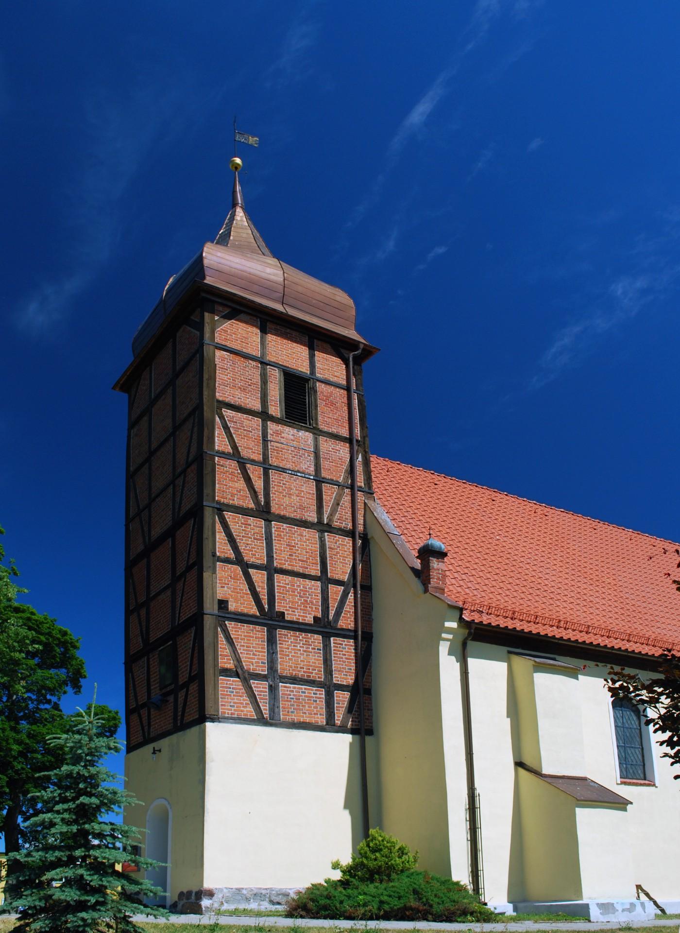 Żukowo, kościół pw. św. Jana Chrzciciela Źródło: Wikipedia.org Autor: Polimerek