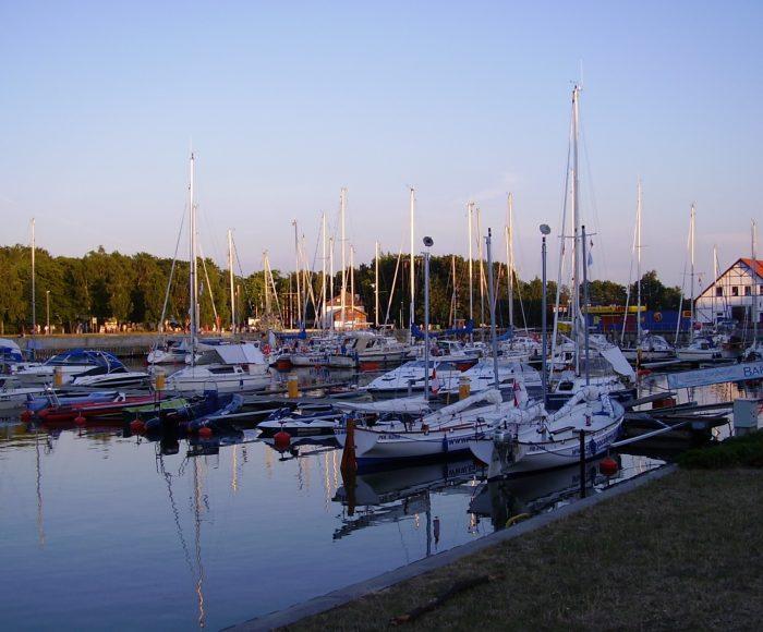 Łeba, Port morski i Krzyż Nawigacyjny 2