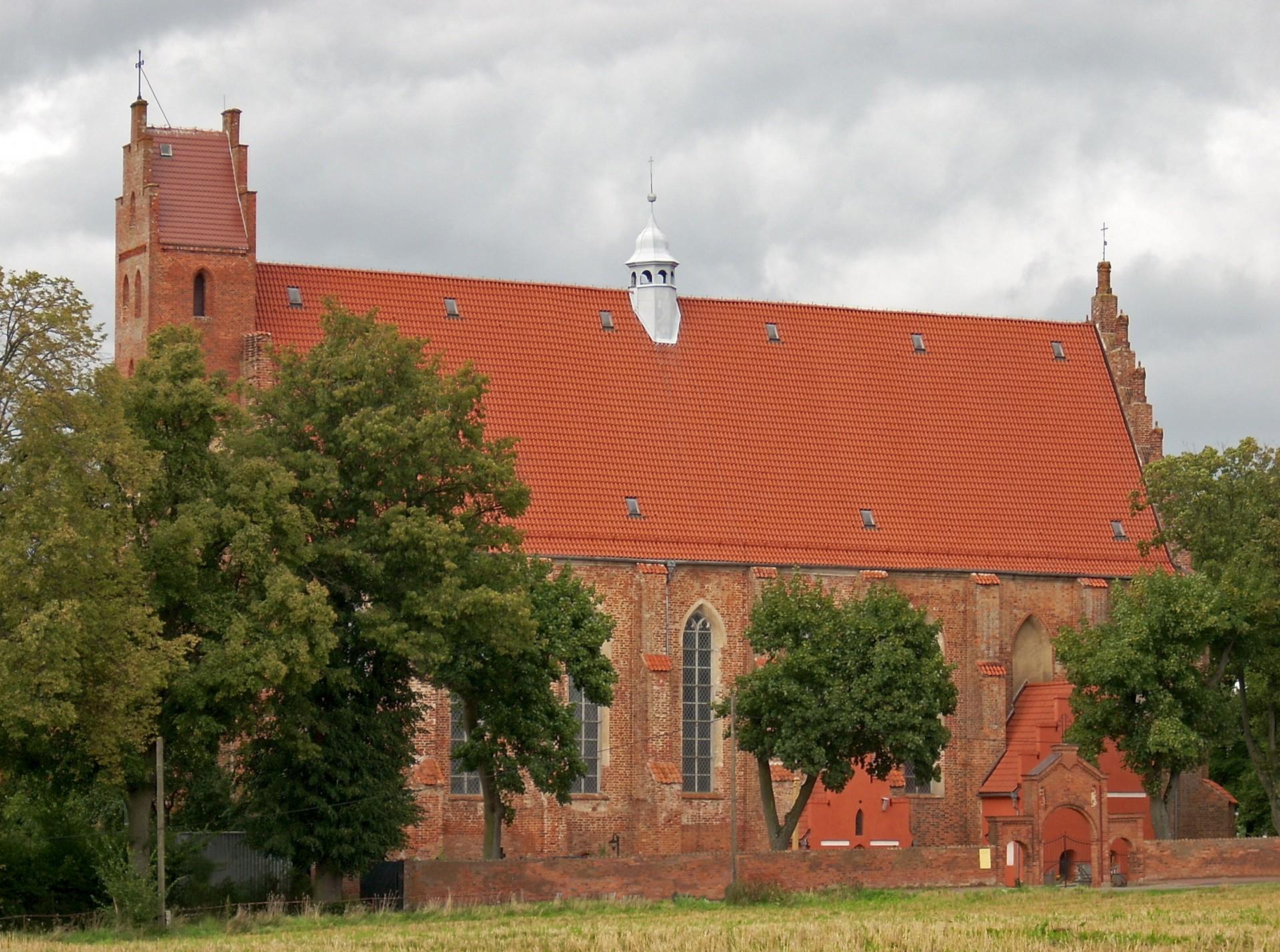 Fot.: Żarnowiec, Kościół Zwiastowania Pana, źródło: Wikipedia, autor: Chrumps