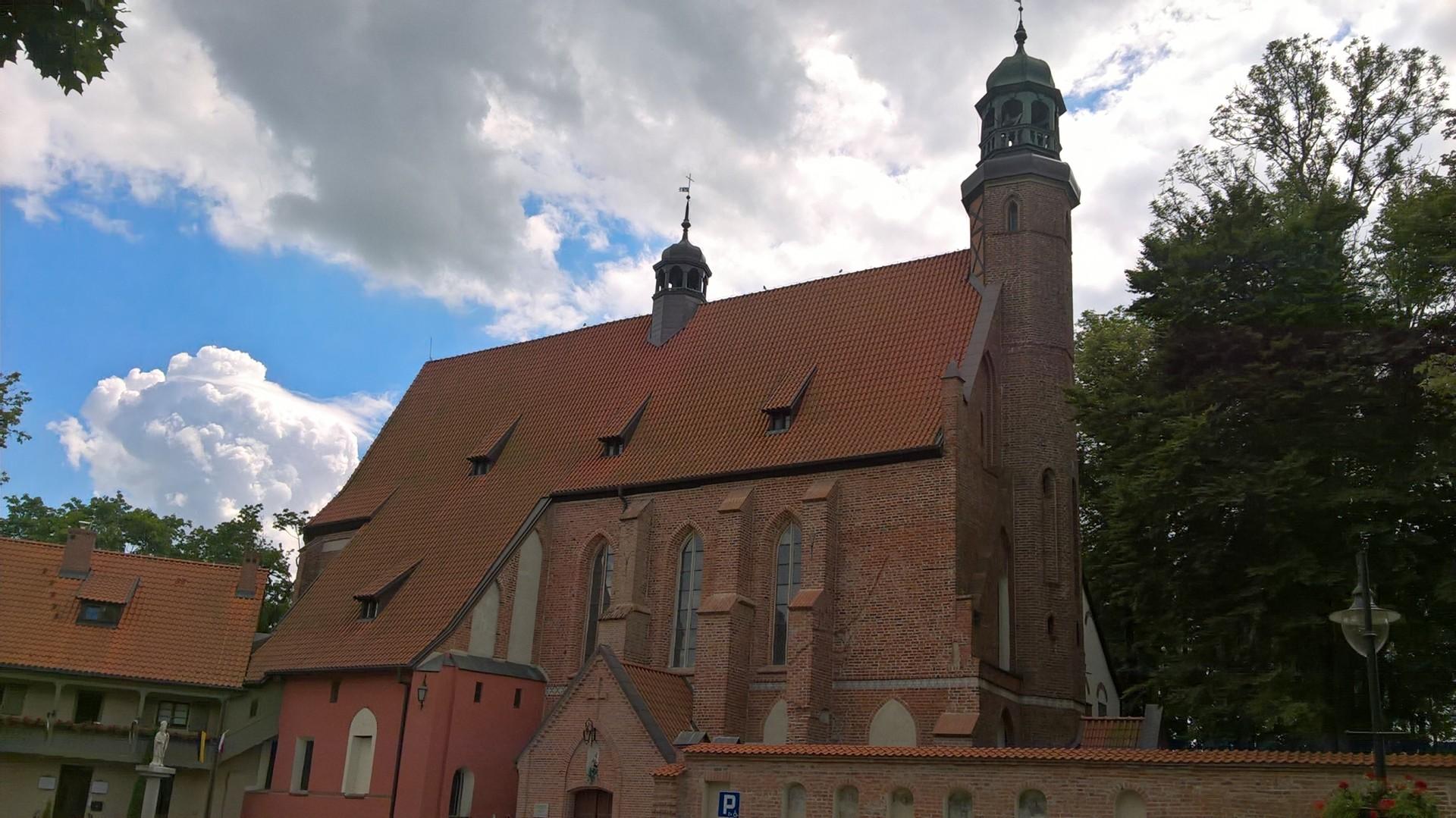 Żukowo. Zespół poklasztorny sióstr norbertanek. Muzeum parafialne i wystawa haftu kaszubskiego 1