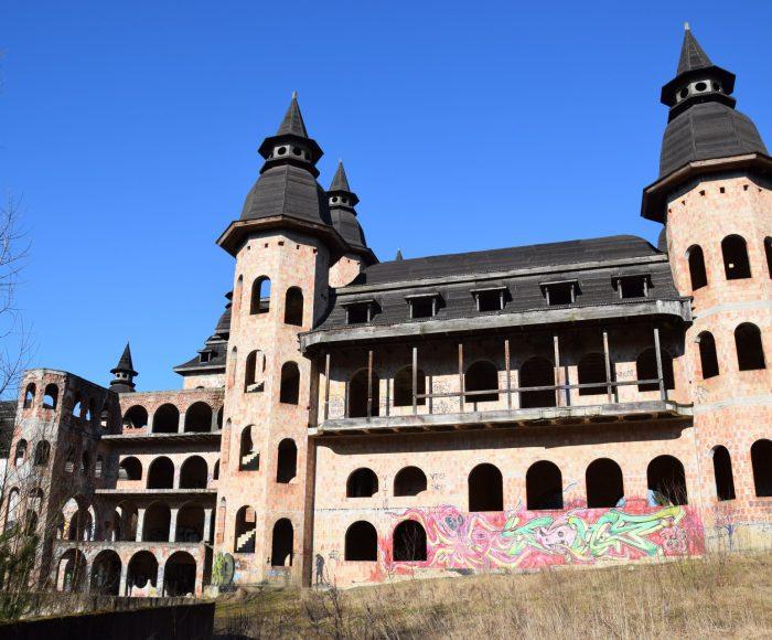 Łapalice. Zamek niedokończony 9
