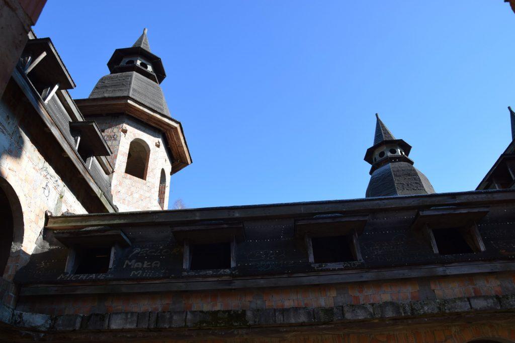 Łapalice. Zamek niedokończony 2