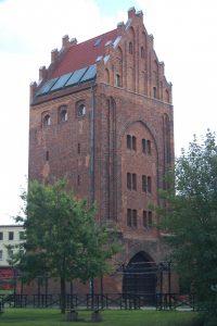Brama Młyńska w Słupsku Źródło: Wikipedia.org Autor: Maria Golinski