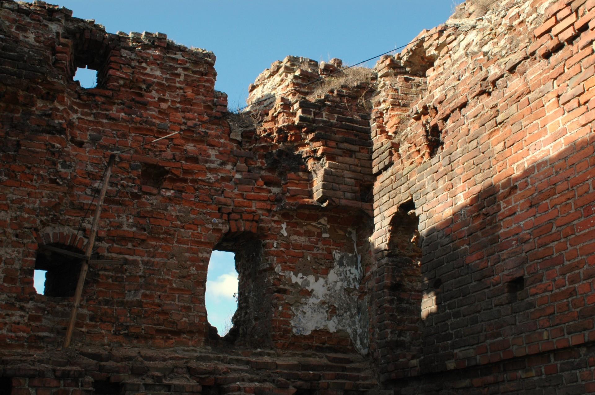 Debrzno. Baszta Czarownic i mury obronne z czasów krzyżackich 1
