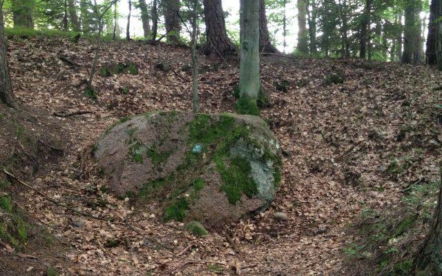 Lipusz. Diabelski Kamień, pomnik przyrody nieożywionej z legendą w tle