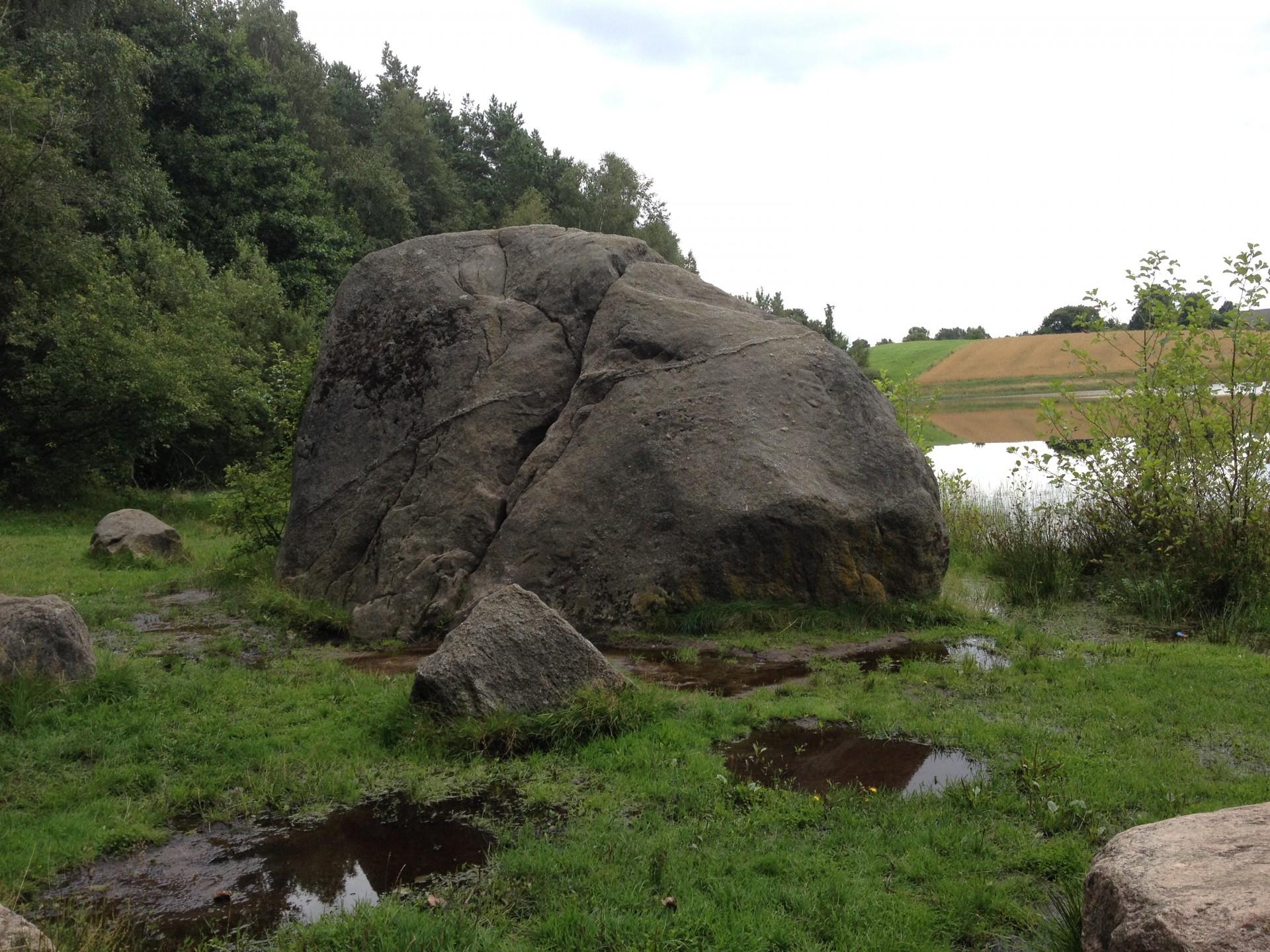 Nowa Huta. Diabelski Kamień - dzieło lodowca czy nieczystych mocy?