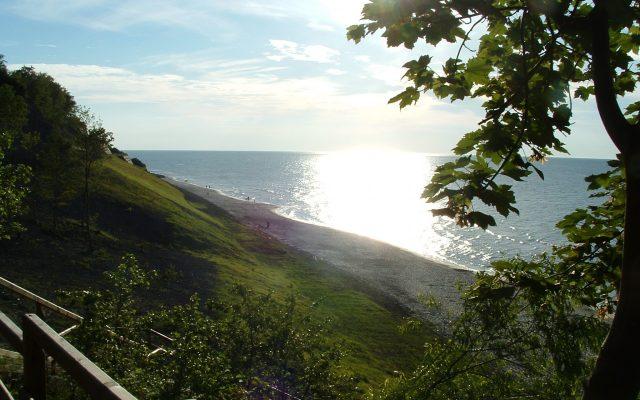 Jastrzębia Góra, Wybrzeże klifowe. Spacer 30 metrów nad wodami Bałtyku