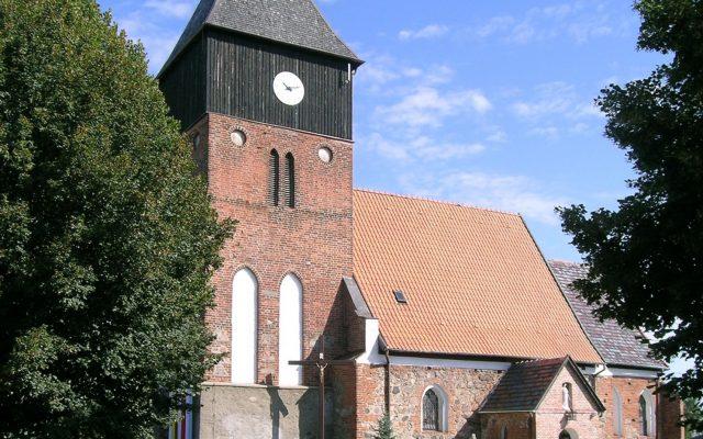 Chojnice i okolice. Kościół św. Jakuba Apostoła w Ostrowitem 1