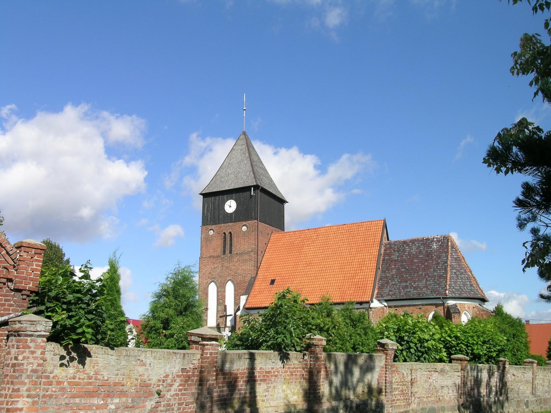 Powiat chojnicki, Ostrowite, kościół, źródło: wikipedia.org