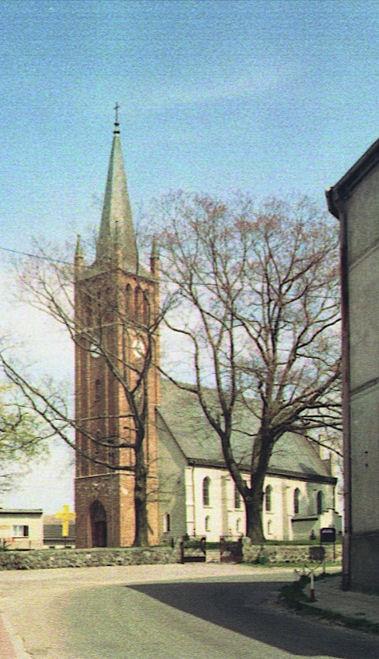 Kościół Nawiedzenia NMP w Gardnie Wielkiej Źródło: Wikipedia.org Autor: Maria Golinski
