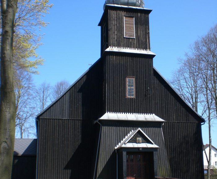 Pomieczyno, góralski kościół na Kaszubach i trudny rok 1945