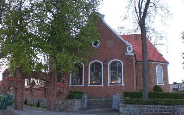Goręczyno. Kościół barokowy pw. Trójcy Świętej i Wszystkich Świętych. Najstarszy zabytek Goręczyna