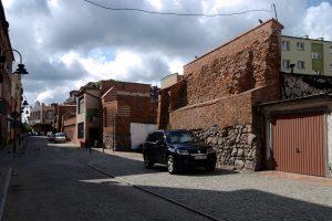 Fot.: Lębork, Mury obronne, źródło: Wikipedia, autor: Tomasz Górny