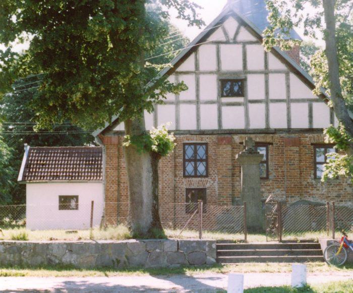 Możdżanowo. Kościół z XIV wieku pw. św. Bartłomieja