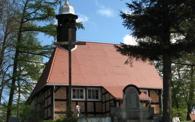 Objazda. Kościółek ryglowy pw. Matki Boskiej Częstochowskiej, jeden z najstarszych na Pomorzu