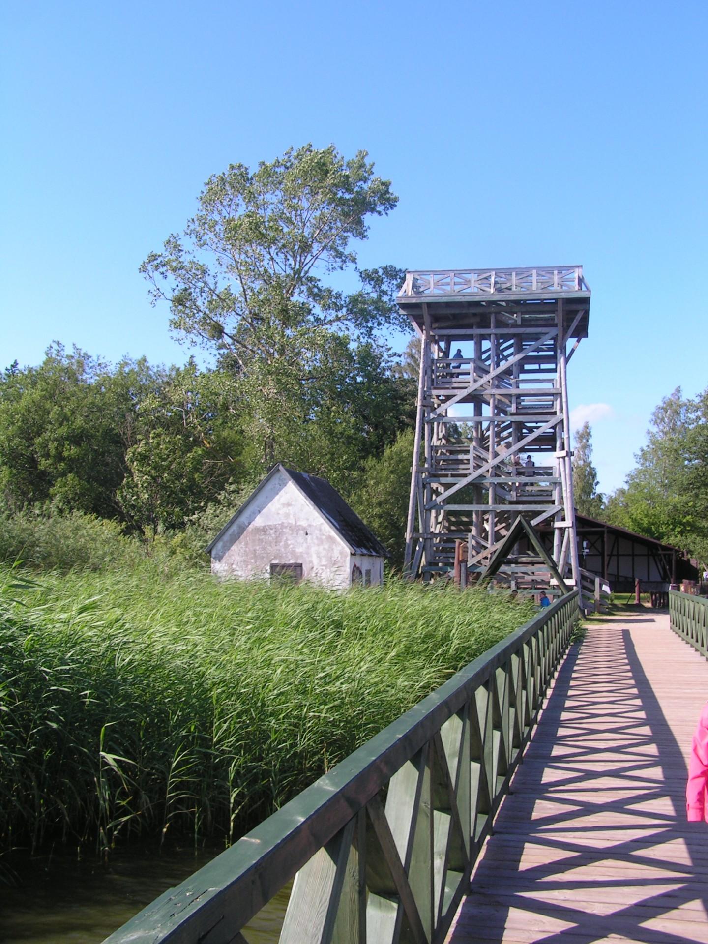 Fot.: Rąbka, Wieża widokowa, źródło: Wikipedia, autor: Kapsuglan
