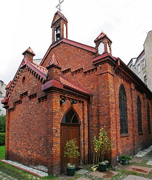 Słupsk. Cerkiew pw. św. Apostołów Piotra i Pawła w ceglanym, poewangelickim kościele