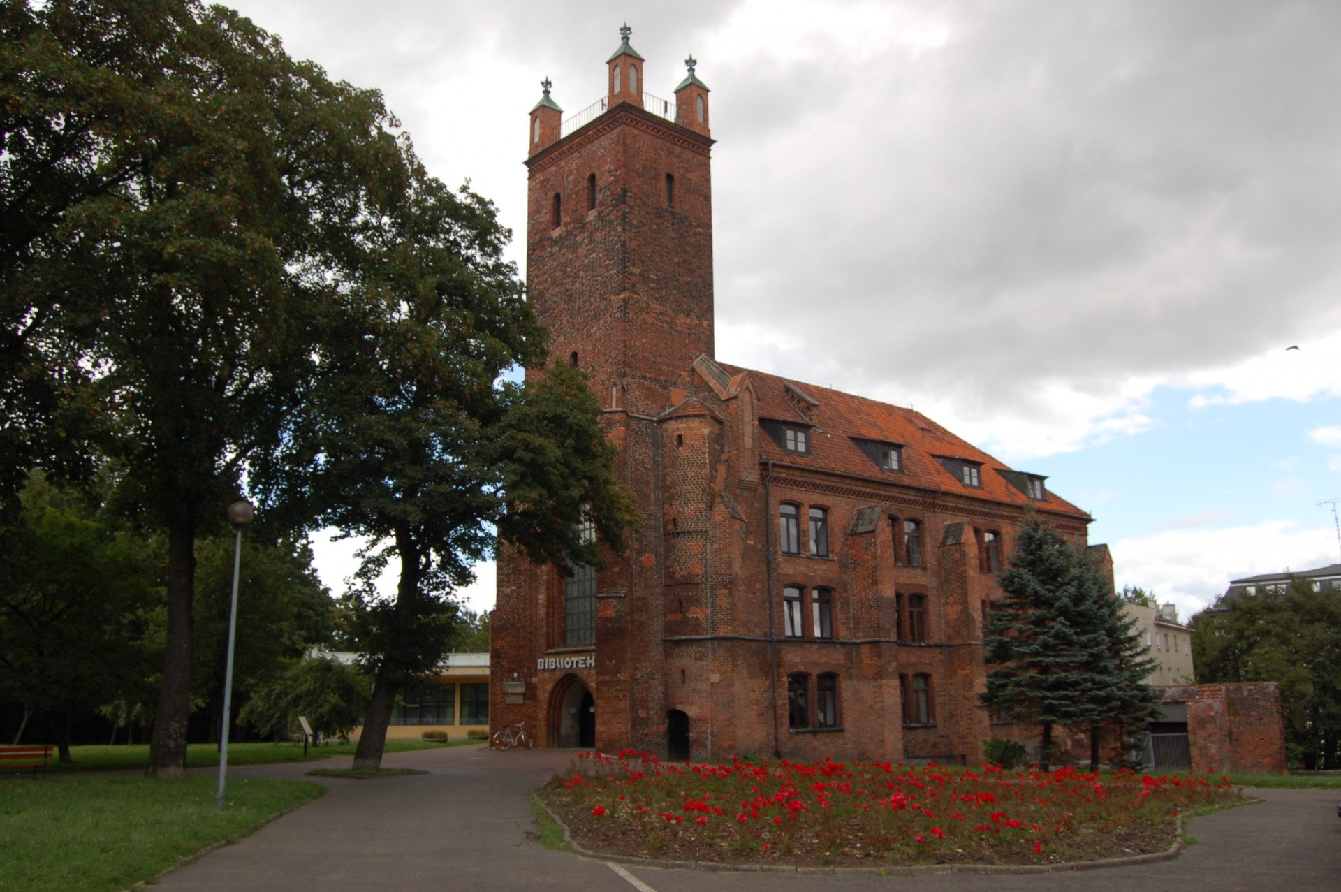 Słupsk, dawny kościół klasztorny sióstr norbertanek pw. św. Mikołaja Źródło: Wikipedia.org Autor: Władysław Goliński