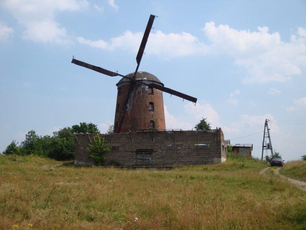 Fot.: Zdrzewno, Wiatrak, Źródło: Wikipedia, autor: Ciacho5
