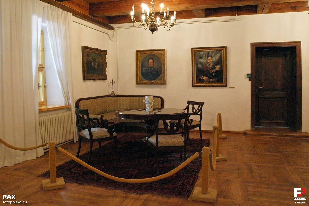 Będomin. Muzeum Hymnu Narodowego i dom rodzinny Józefa Wybickiego 3