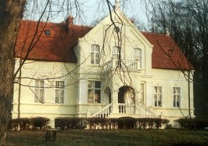 dwór w Czartołomie, źródło: czartolomiedwor.pl