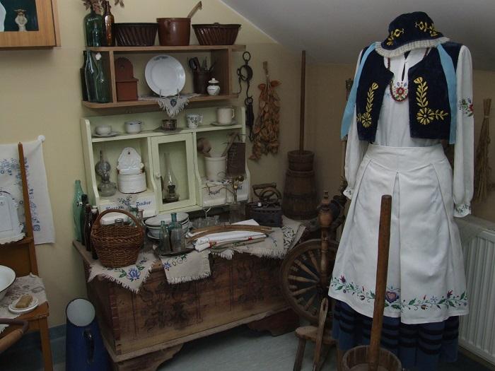 Karsin, Regionalna Izba Pamiątek, źródło: Centrum Informacji Turystycznej w Wielu