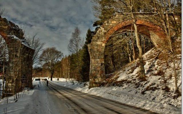 Kozin. Ruiny mostów kolejowych