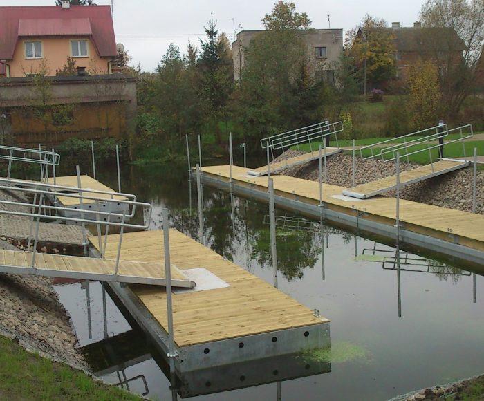 Stara Kiszewa. Przystań kajakowa nad rzeką Wierzycą