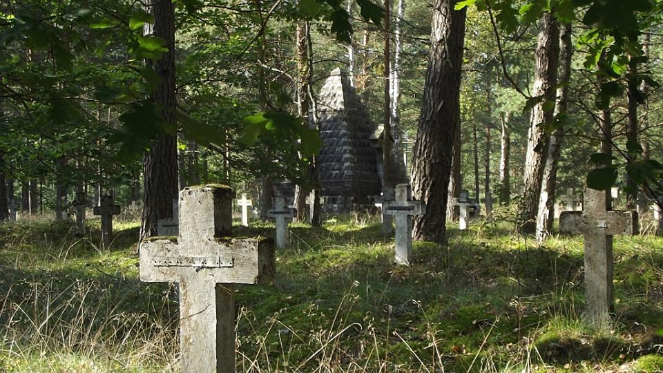 cmentarz w Łukowie, źródło: facebook.com