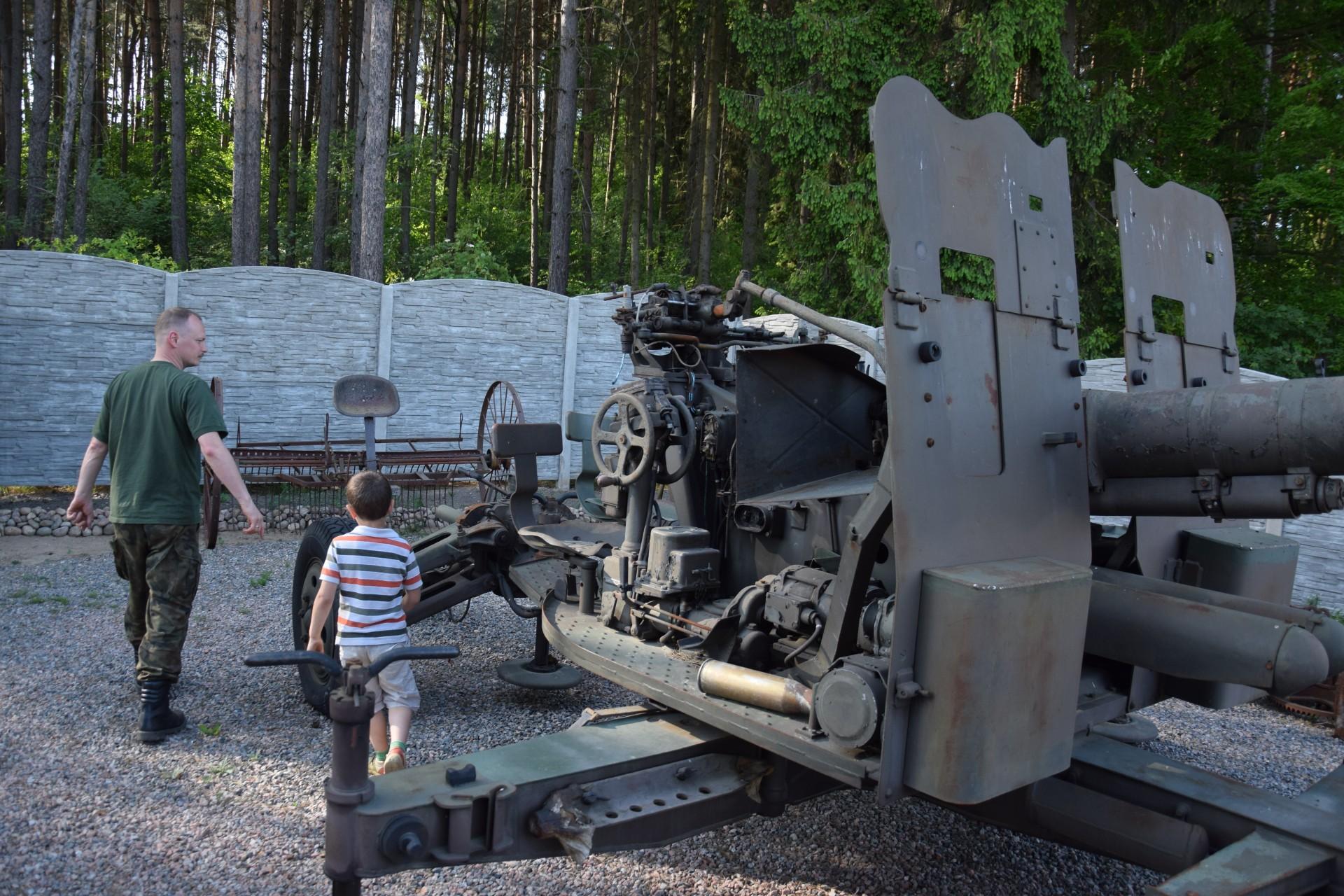 Muzeum Ziemi Kaszubskiej i Sprzętów Militarnych w Goręczynie 3