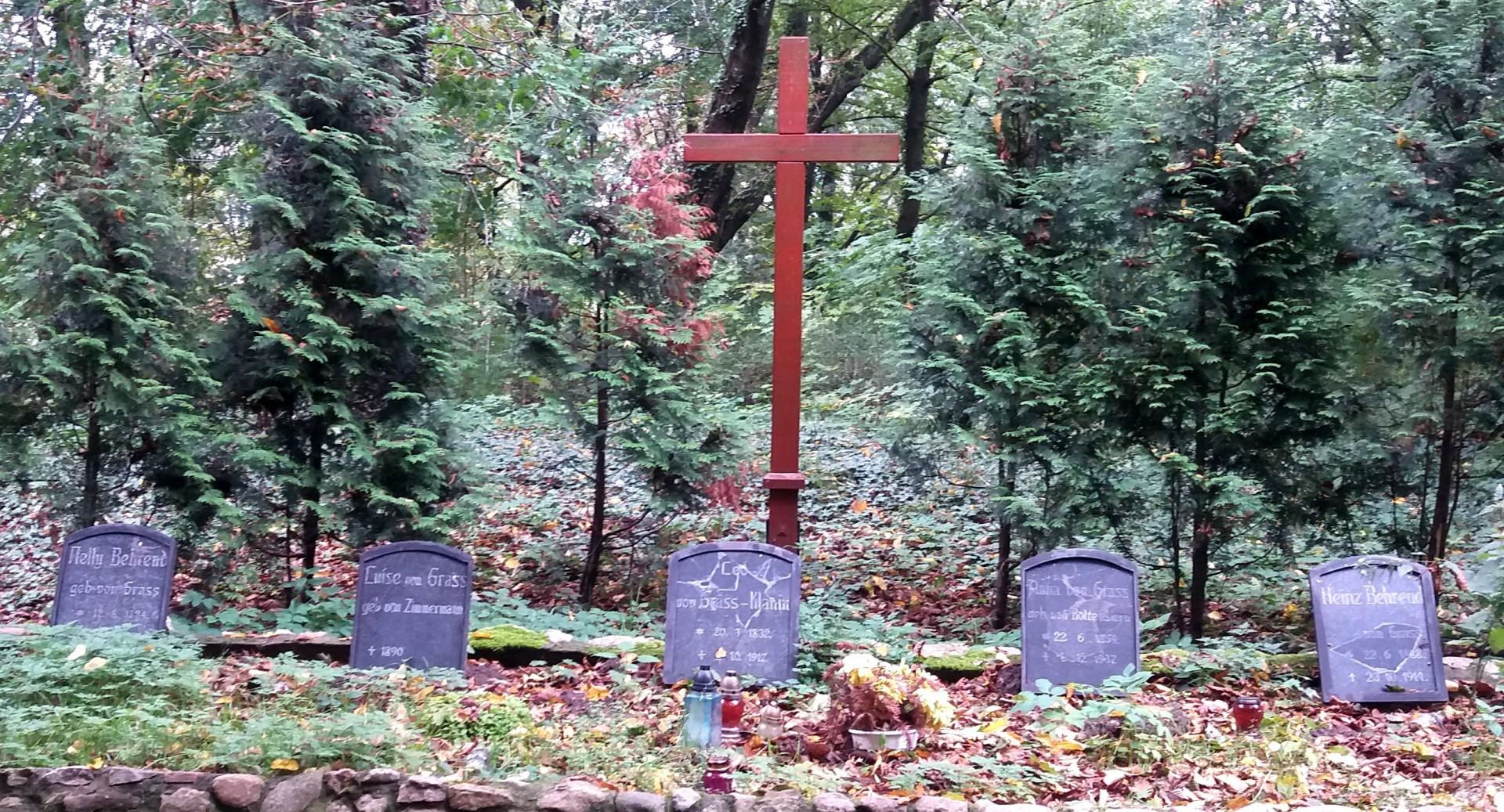 Kłanino. Cmentarz z grobami von Grassów. Fot. Zuzanna Musik/Magazyn Kaszuby