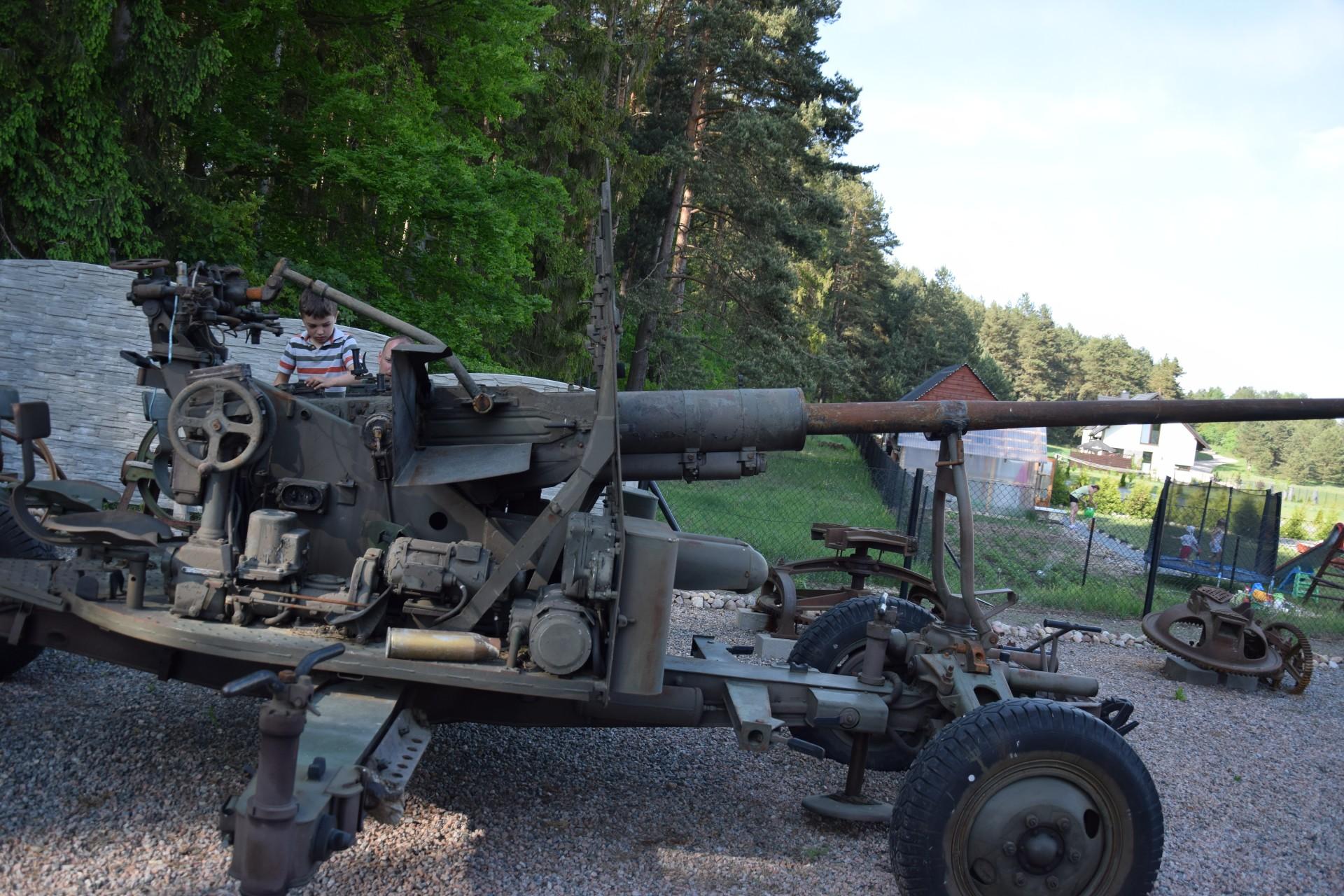 Muzeum Ziemi Kaszubskiej i Sprzętów Militarnych w Goręczynie 2