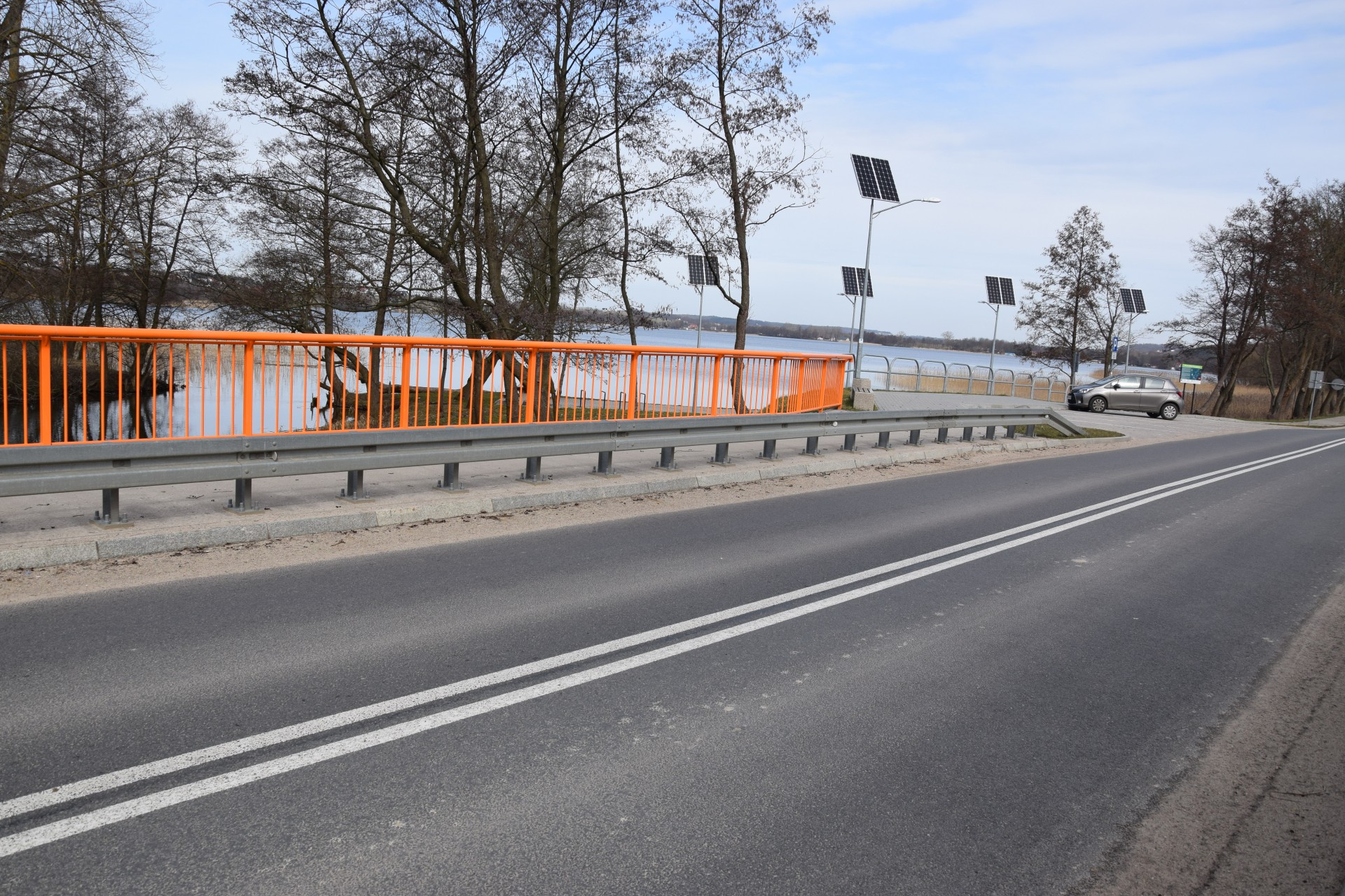 Zawory. Parking made by UE. Fot. Tomasz Słomczyński/Magazyn Kaszuby