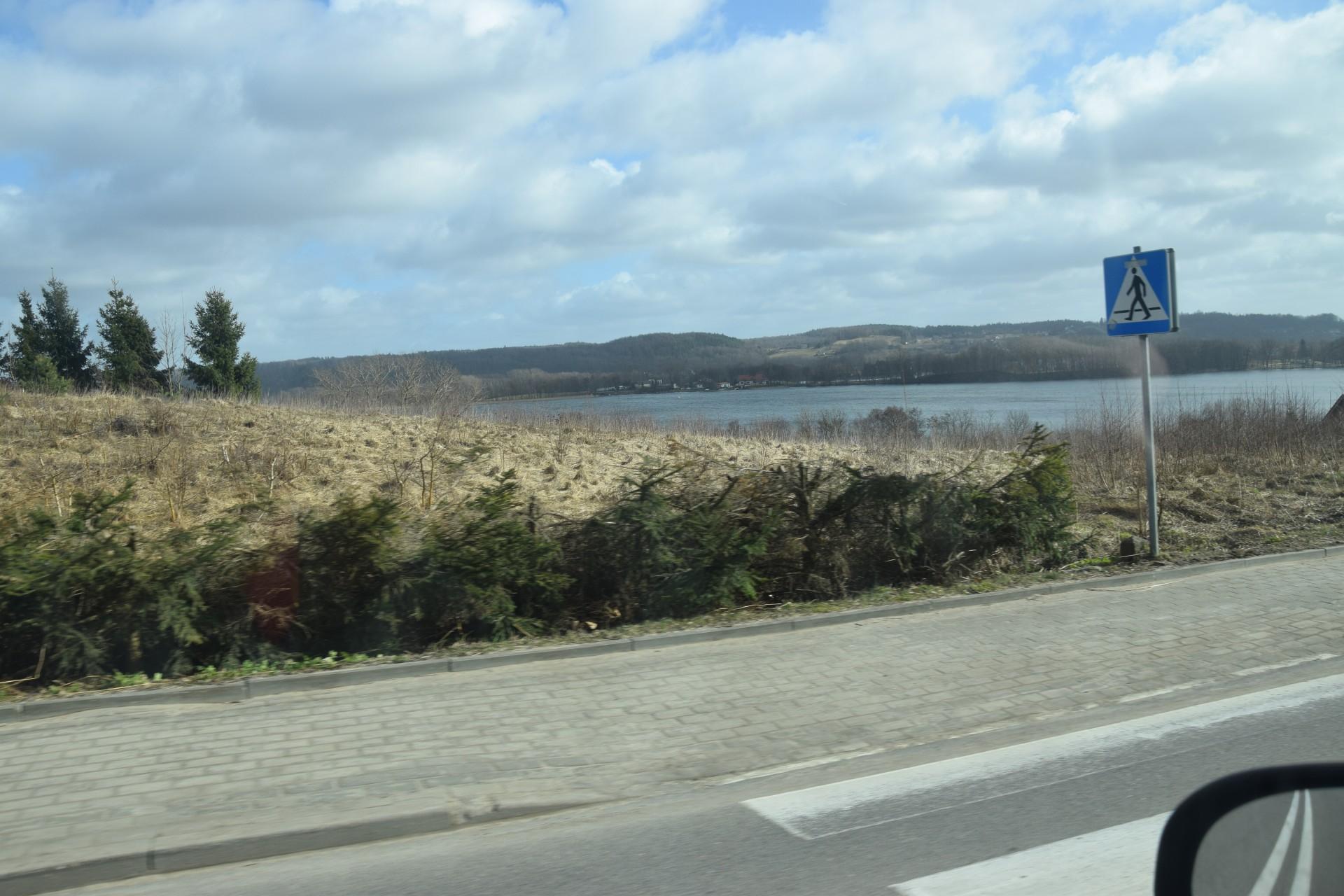 Droga Kaszubska. Przed Chmielnem - jez. Białe. Fot. Tomasz Słomczyński_Magazyn Kaszuby