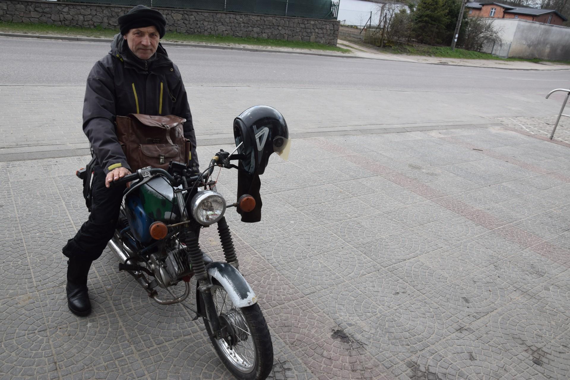 Pan Leon. Gołubie Kaszubskie, kwiecień 2017. Fot. Tomasz Słomczyński/Magazyn Kaszuby