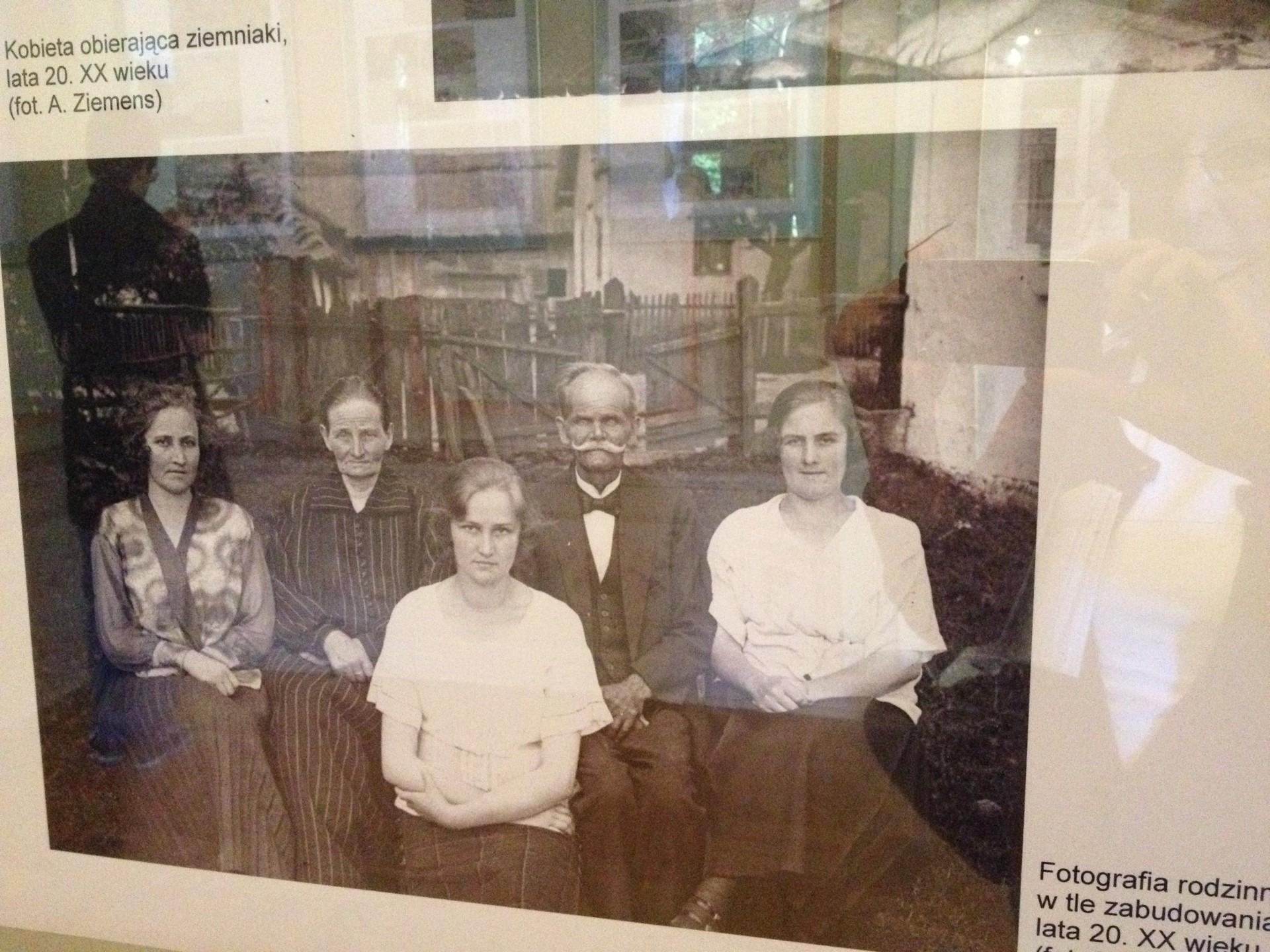 Kaszuby na starej fotografii w wejherowskim muzeum. 9