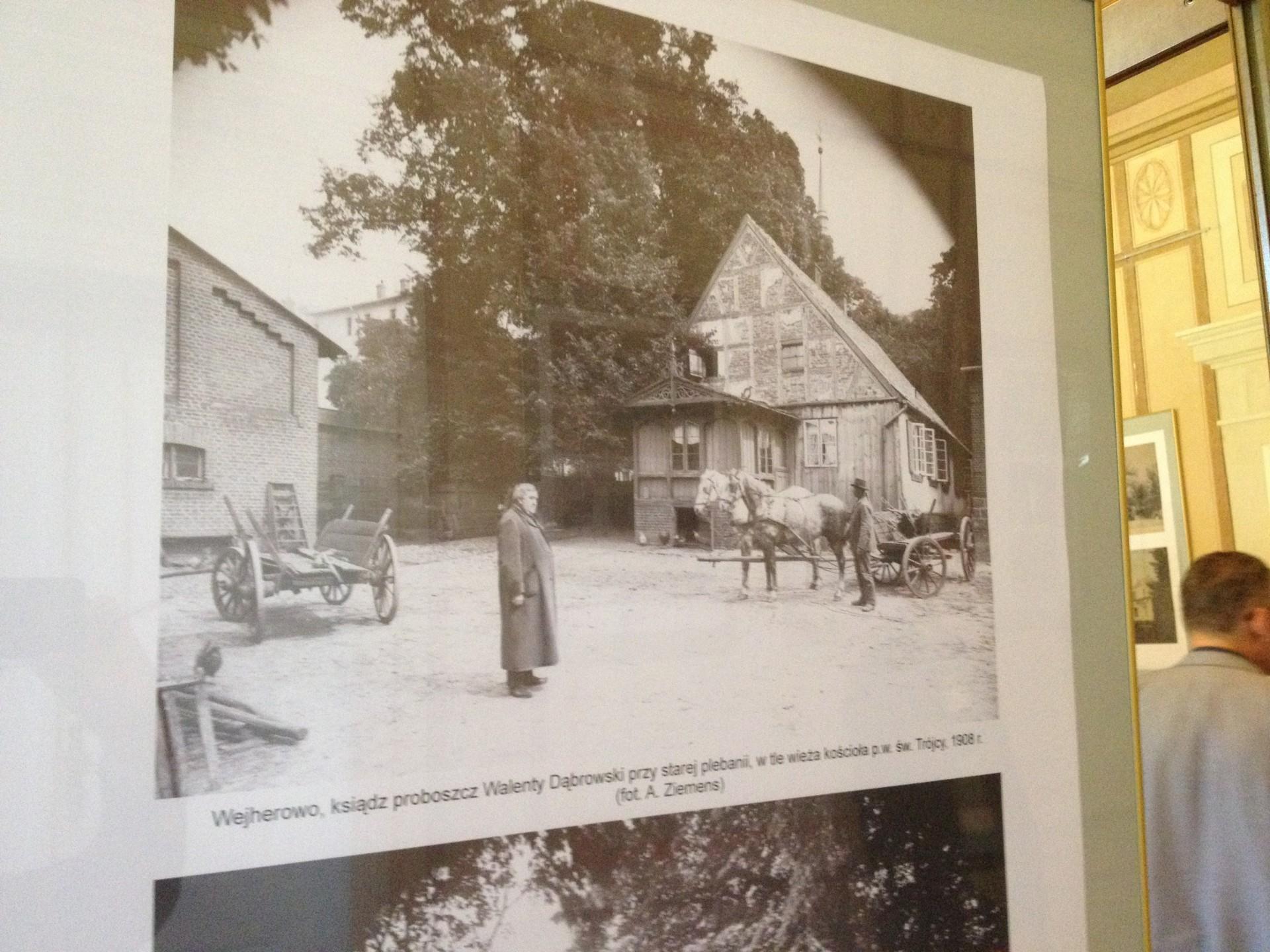 Kaszuby na starej fotografii w wejherowskim muzeum. 10