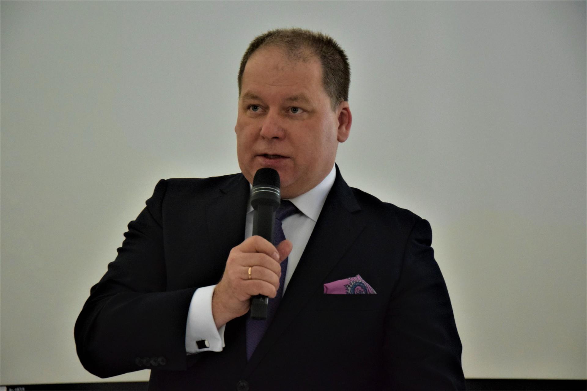 """""""Solanka w Zatoce Puckiej nie szkodzi"""". """"Nie wierzymy"""""""
