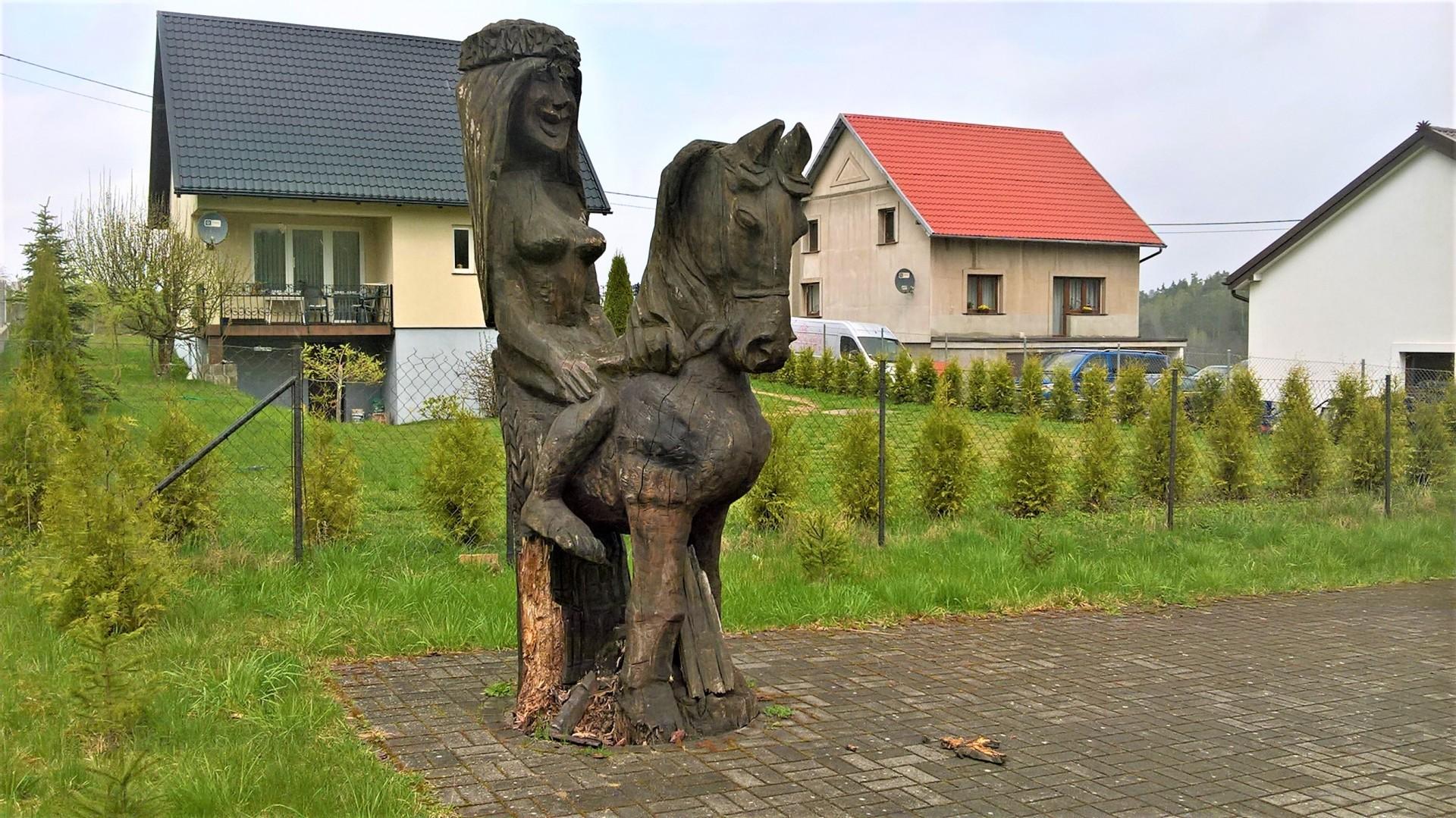 Nowa Huta - Porzecze. Listonosz, ułan i demon burzy 6