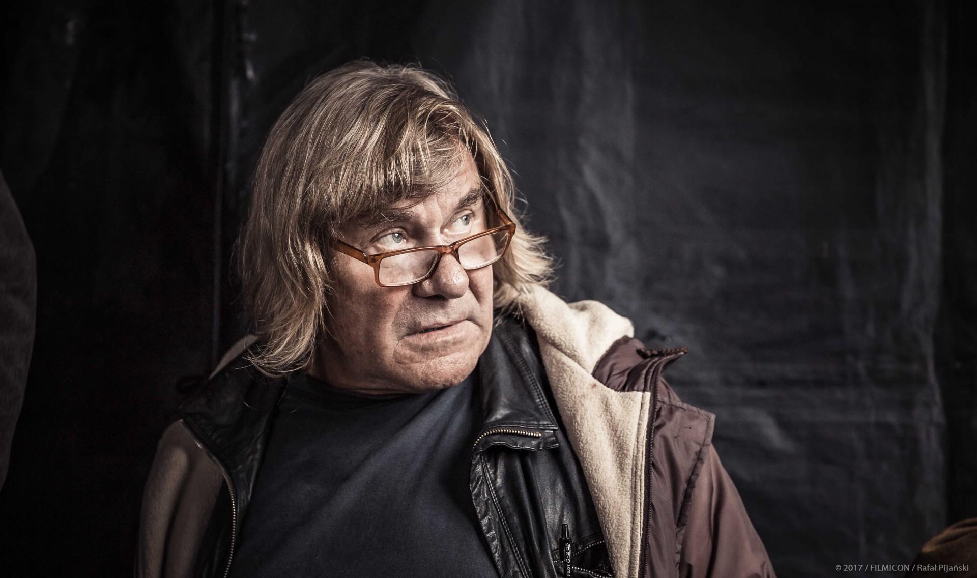 """Janusz Gajos Kaszubą. """"Kamerdyner"""" w kinach od 21 września [TRAILER]"""